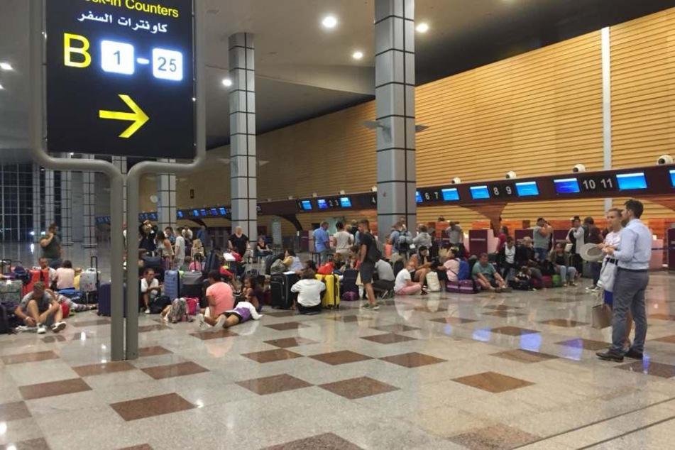 Hier sitzen die Urlauber auf dem Flughafen in Hurghada fest.