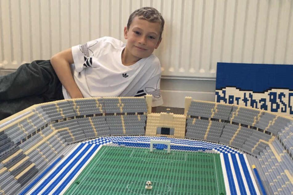 Tolles Werk! Junge baut Olympiastadion mit Lego nach