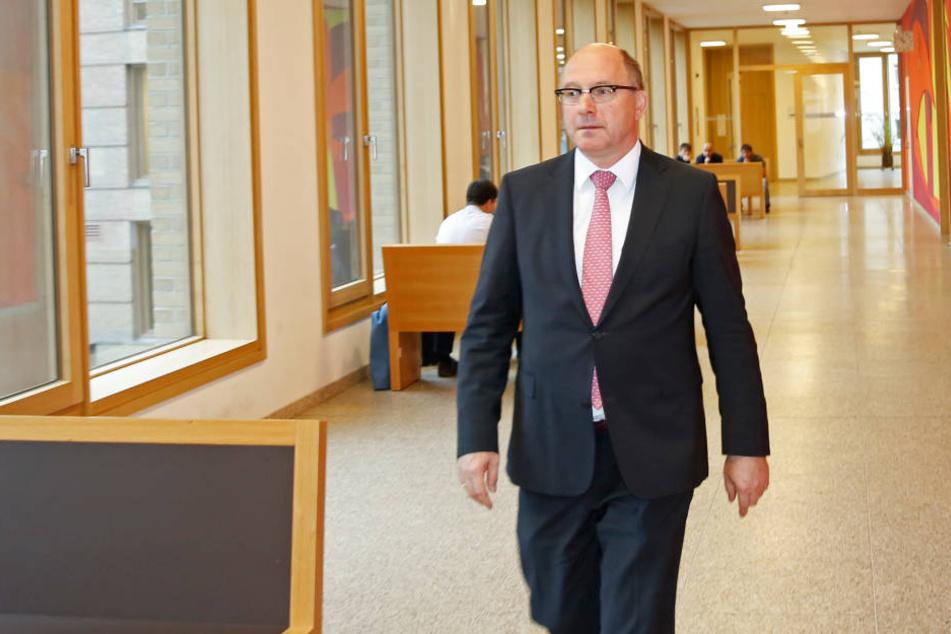 Sogar Amtsgerichtspräsident Hans Strobl wurde vom Angeklagten belästigt.