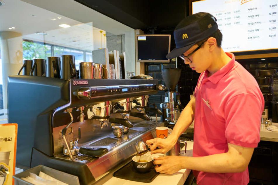 Hatte ein McDonald's-Mitarbeiter Browns Bestellung falsch ausgeführt und statt eines Kaffees einen Kakao serviert? (Symbolbild)