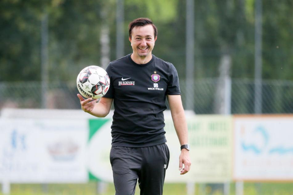FCE-Trainer Daniel Meyer kann sich über eine gute Vorbereitung freuen. Mit einem Lächeln schaut er jetzt Richtung Union.