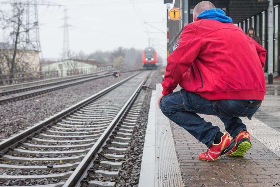 Der Dresdner René J. (41) wurde im März vor eine S-Bahn gestoßen.