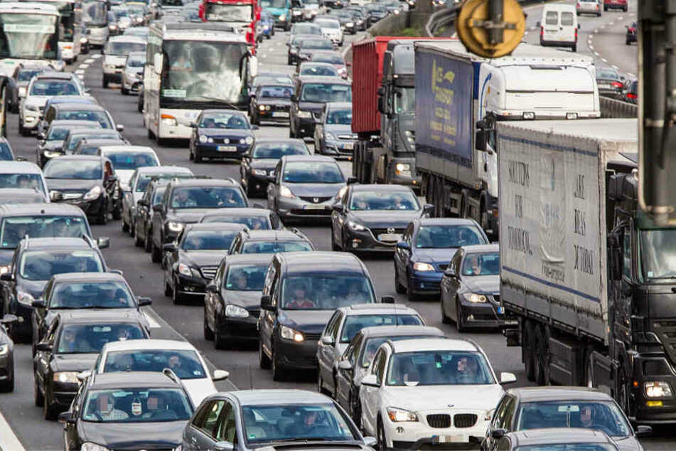 Am Freitag droht der Stau-Horror auf Hessens Autobahnen