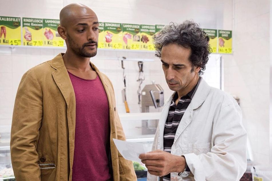 """""""Was macht einer wie Sie bei der Bürgerwehr?"""" Kripo-Assistent Patrick befragt Lebensmittelhändler Adil - und gerät in Gefahr."""