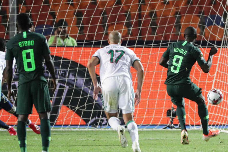 Der nigerianische Nationalstürmer Odion Ighalo (r.) wurde von Manchester United von Shanghai Shenhua ausgeliehen.