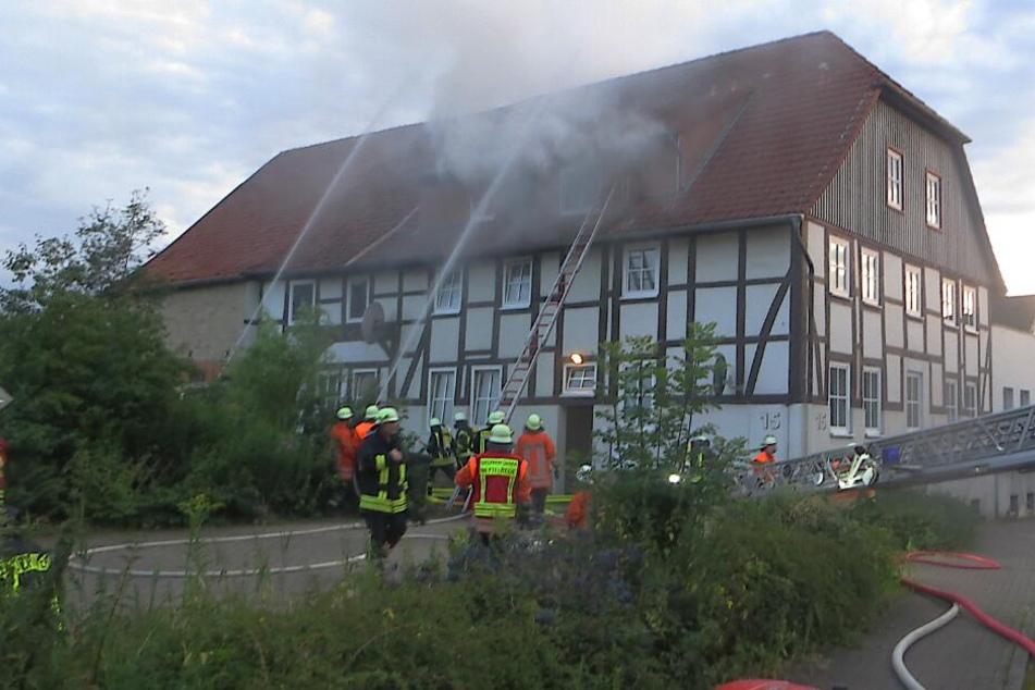 Mehrere Einsatzkräfte waren an der Brandstelle.