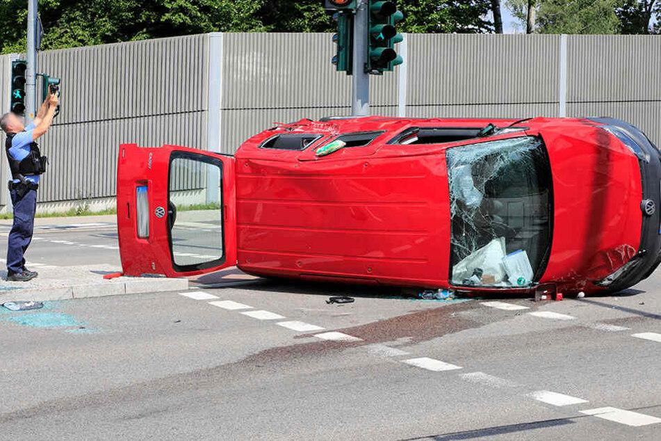 Fahrerin schwer verletzt: B174 nach heftigem Kreuzungscrash dicht