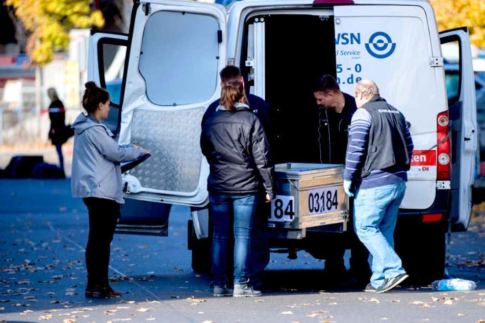 Raubüberfall auf Geldtransporter: Polizei sucht silbernen BMW!
