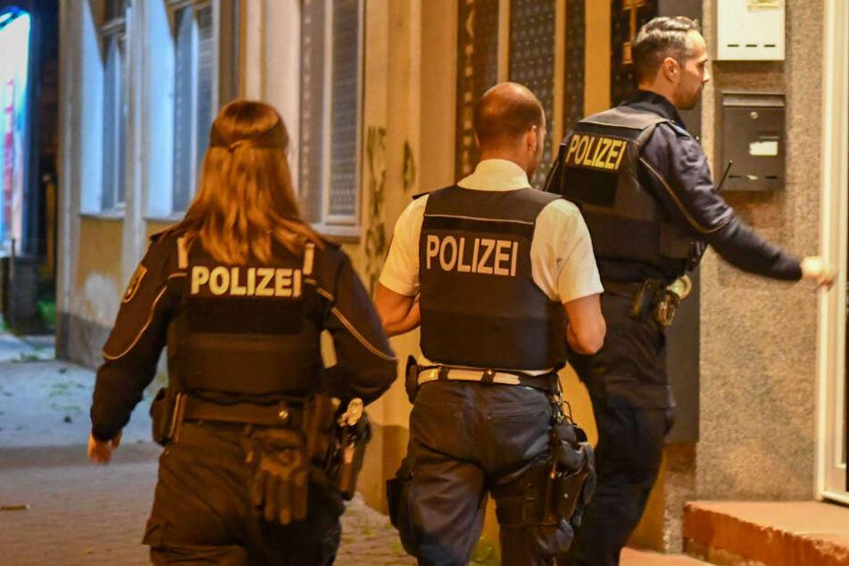 Spielhalle mit Machete und Pistole überfallen: Täter geschnappt!