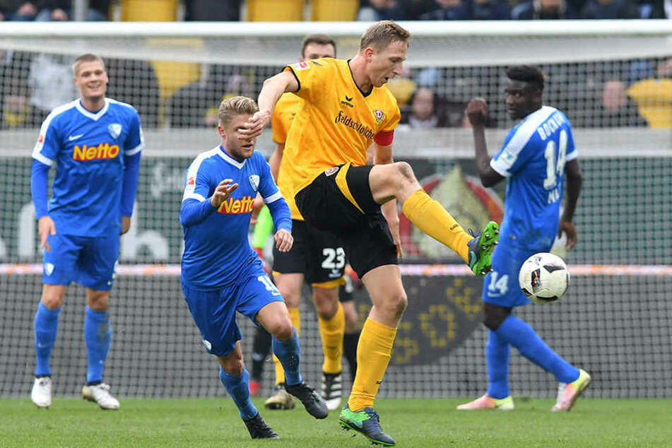 Dynamo-Kapitän Marco Hartmann (am Ball) dürfte heute wieder auf seine angestammte Sechserposition zurückkehren.