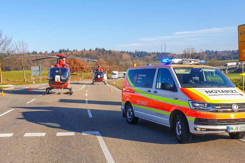 Zwei Rettungshubschrauber sind im Einsatz.