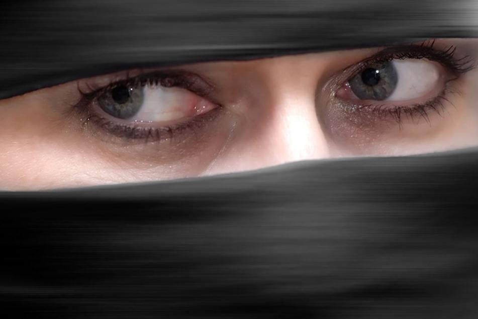 """""""Primitive Gewohnheit"""": In dieser Stadt darf keine Burka getragen werden"""