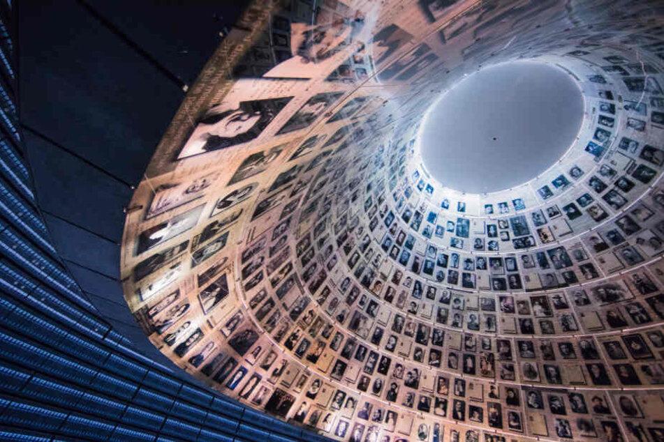 """Blick in die Halle der Namen in der Holocaust-Gedenkstätte """"Yad Vashem"""" in Jerusalem."""
