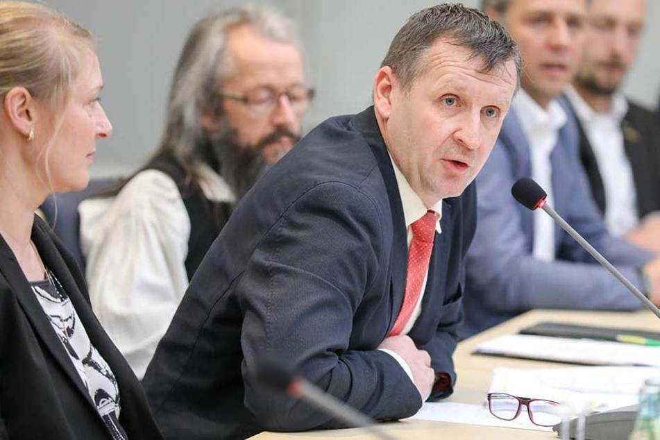 Bad Schlemas Bürgermeister wurde während der Sitzung mehrfach beleidigt.