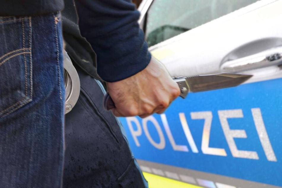 Aggro-Mann (20) zückt Steakmesser und bedroht Polizisten