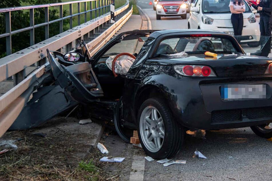 Die Bundesstraße 456 wurde infolge des Crashs gesperrt.