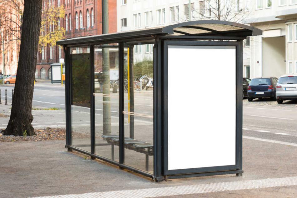 Hängt die Bushaltestellen-Tat mit einer Auseinandersetzung in der Vorwoche zusammen? (Symbolbild)