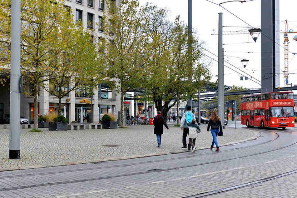 Die handgreifliche Auseinandersetzung ereignete sich am Postplatz in der Dresdner Innenstadt.(Symbolbild)