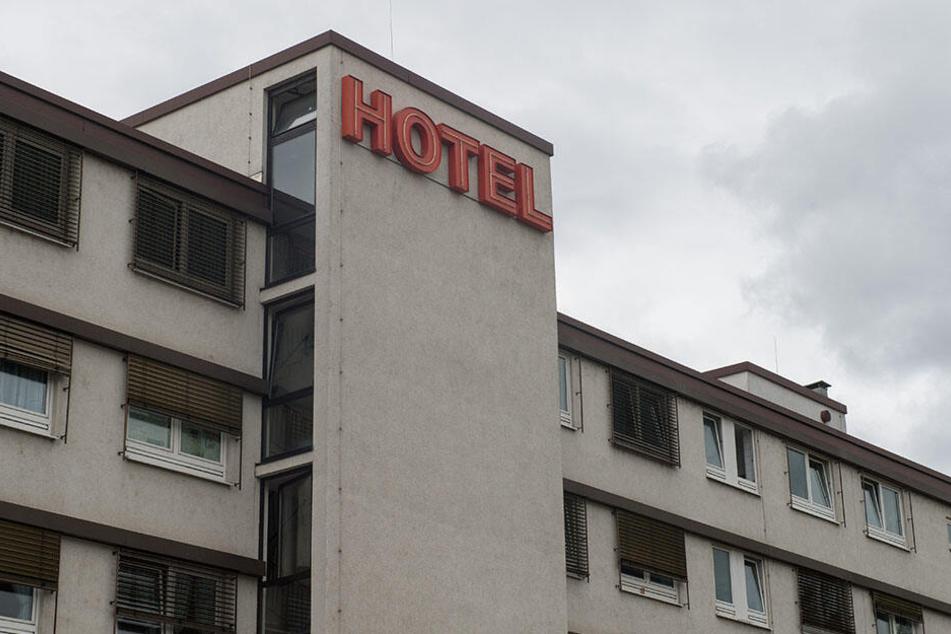 In einem Hotelzimmer wollte sich das ältere Ehepaar gemeinsam das Leben nehmen. (Symbolbild)