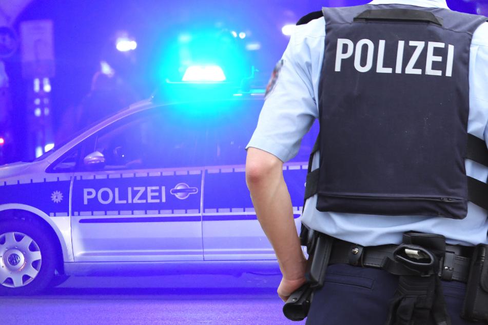 Raubüberfall auf Sonnenstudio in Nauheim: Fahndung nach maskiertem Messer-Mann