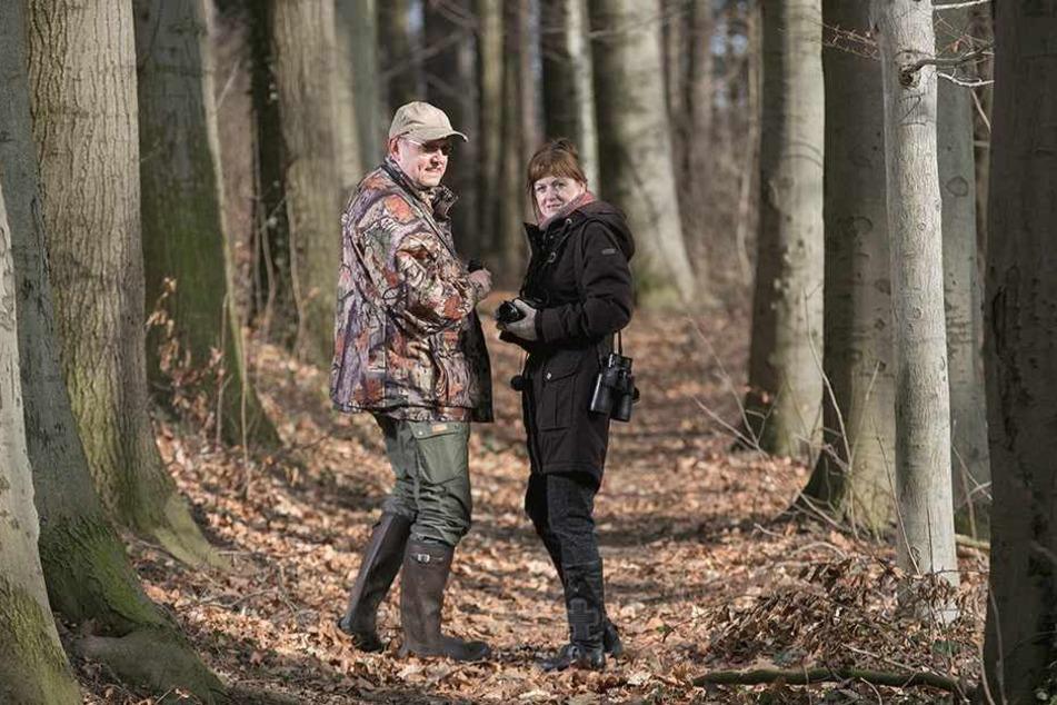 Gudrun (58) und Matthias Stark (54) aus Stolpen gehen auf Safari in Sachsens Wäldern.