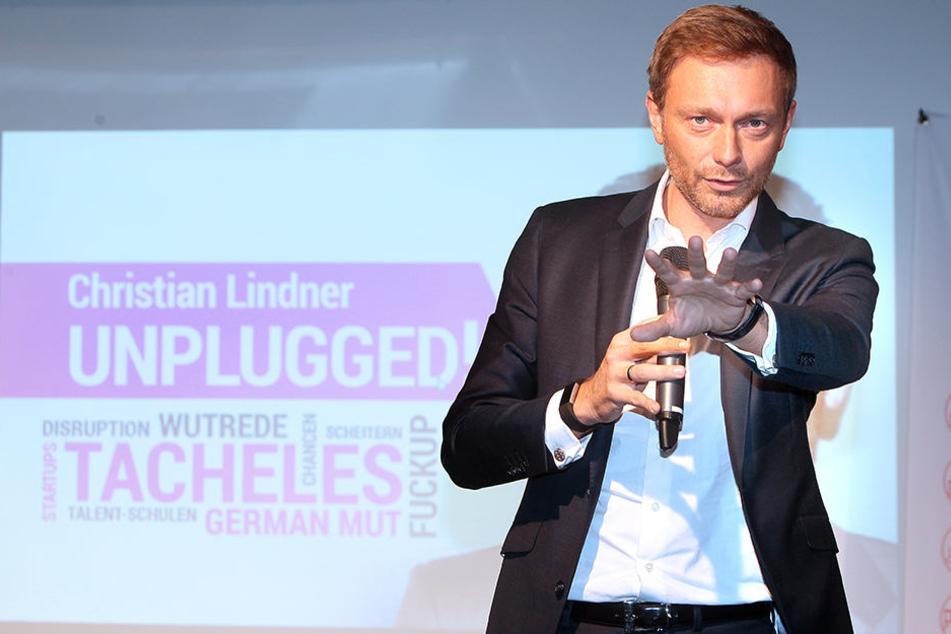 """""""Christian Lindner Unplugged"""" - so nannte der FDP-Chef seinen Vortrag in Herford."""