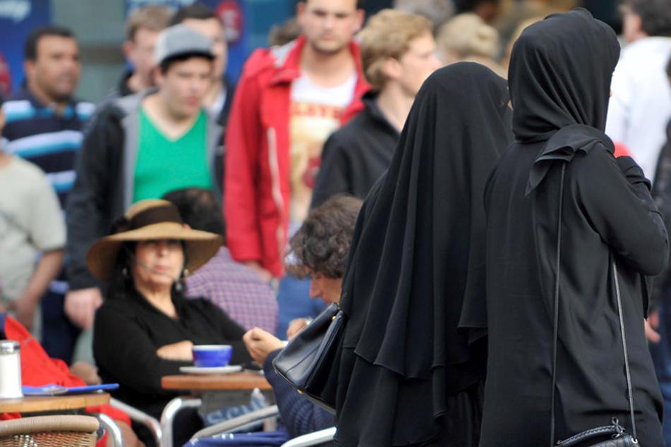 Die mehr als 100.000 Stimmen für eine Volksabstimmung sollen noch am Freitag in Bern offiziell übergeben werden.