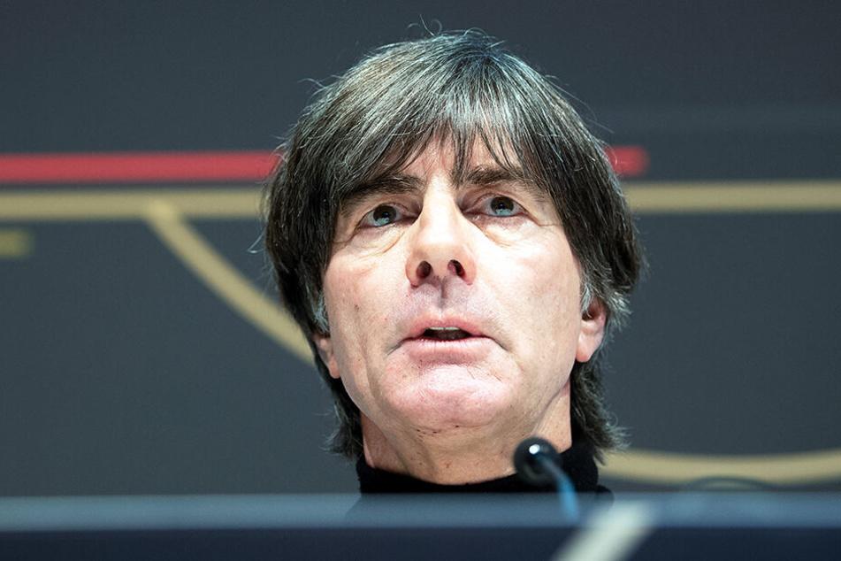 Bundestrainer Joachim Löw hat sich schon mal nach Youssoufa Moukoko erkundigt.