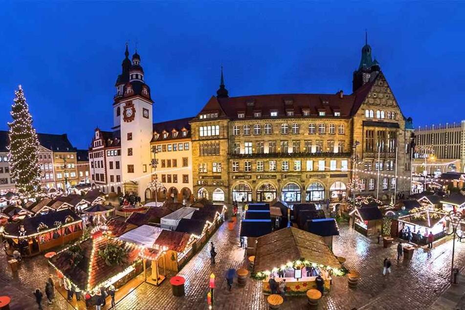 Der Bummel über den Chemnitzer Weihnachtsmarkt muss nicht unbedingt auf den Hüften hängen bleiben - es geht auch gesund.