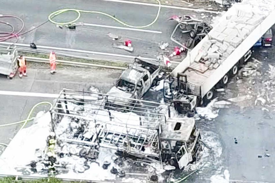 Gasflaschen explodieren: Schwerer Unfall auf der Autobahn