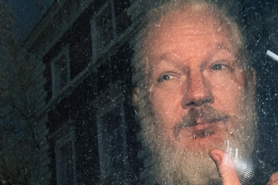 Anzeichen von Folter! Stirbt Wikileaks-Gründer Julian Assange im Gefängnis?