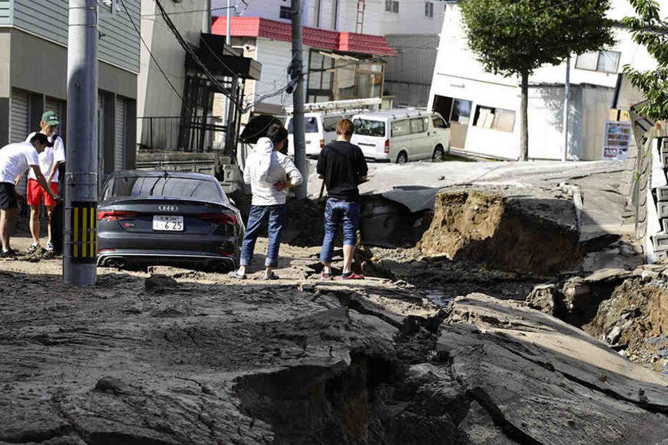 Ein Erdbeben der Stärke 6,7 hat auf Japans nördlicher Hauptinsel Hokkaido verheerende Schäden verursacht.