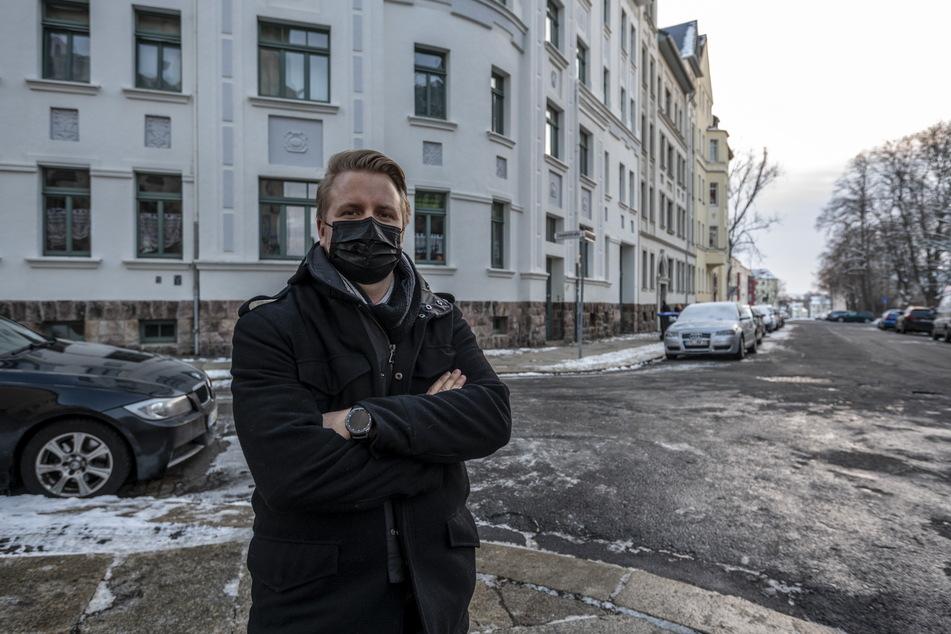 Christian Schwabe (33) ist sauer: Er lebt in dem Haus in der Senefelderstraße, wo das Internet seit mehreren Tagen nicht funktioniert.