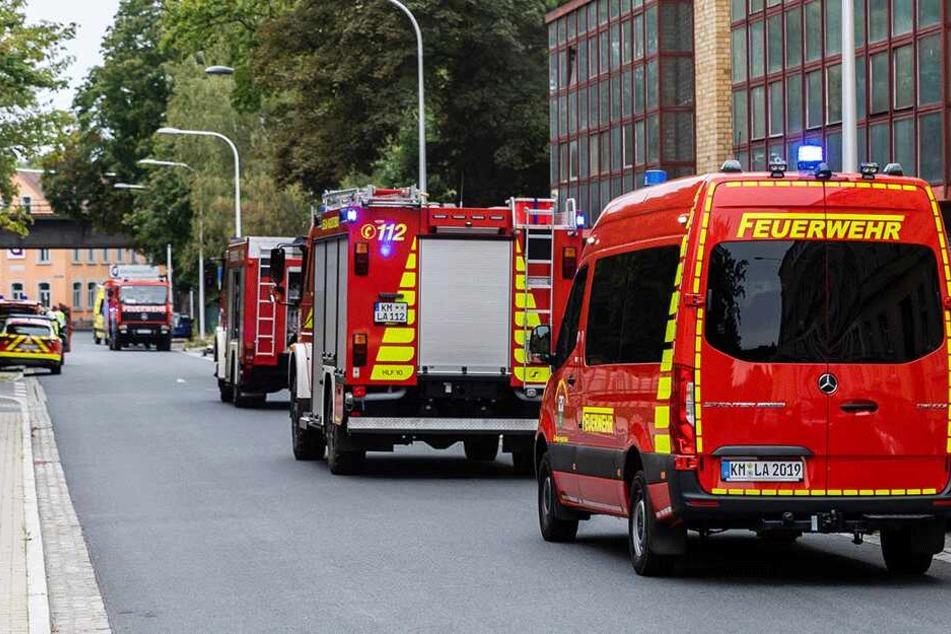 Etwa 60 Feuerwehrleute sollen derzeit vor Ort sein.