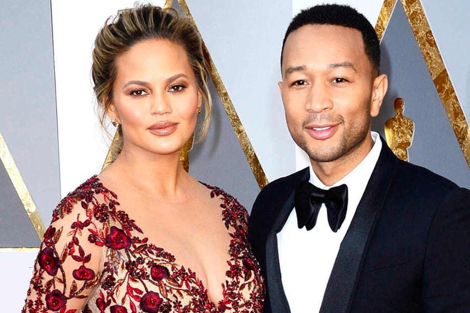 Gemeinsam mit ihrem Partner John Legend (39) darf sich Chrissy Teigen (32) über Nachwuchs freuen.