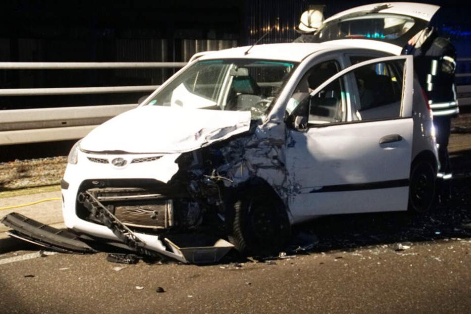 Die drei Insassen dieses Hyundais wurden verletzt.