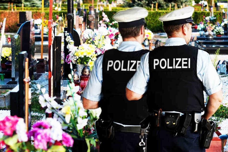 Rentner stirbt nach Schüssen von Polizisten auf Friedhof
