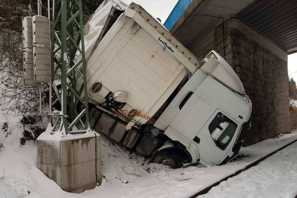 Ein Blick aufs Fahrerhaus des Lastwagens.