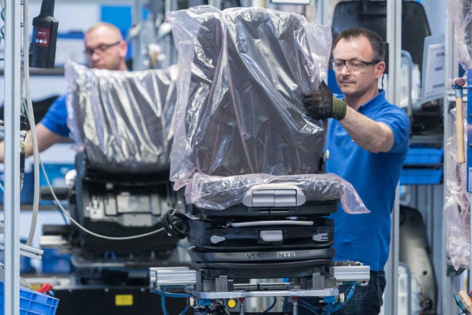 Die Übernahme des bayerischen Autozulieferers Grammer (im Bild: die Produktion von Fahrersitzen) läuft noch.