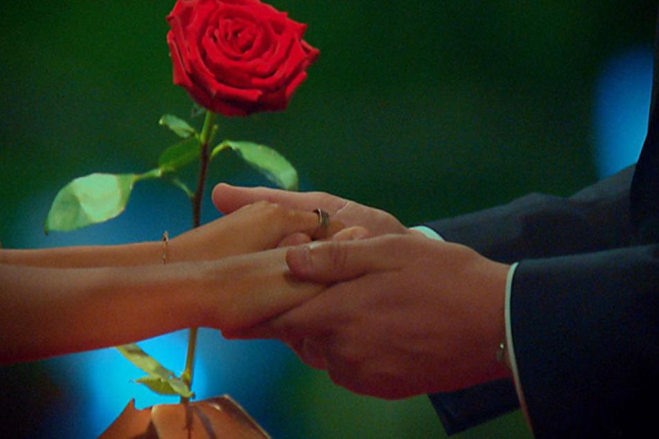 Auch der große Ring an Kristinas Hand entlarvt sie noch nicht als Siegerin.