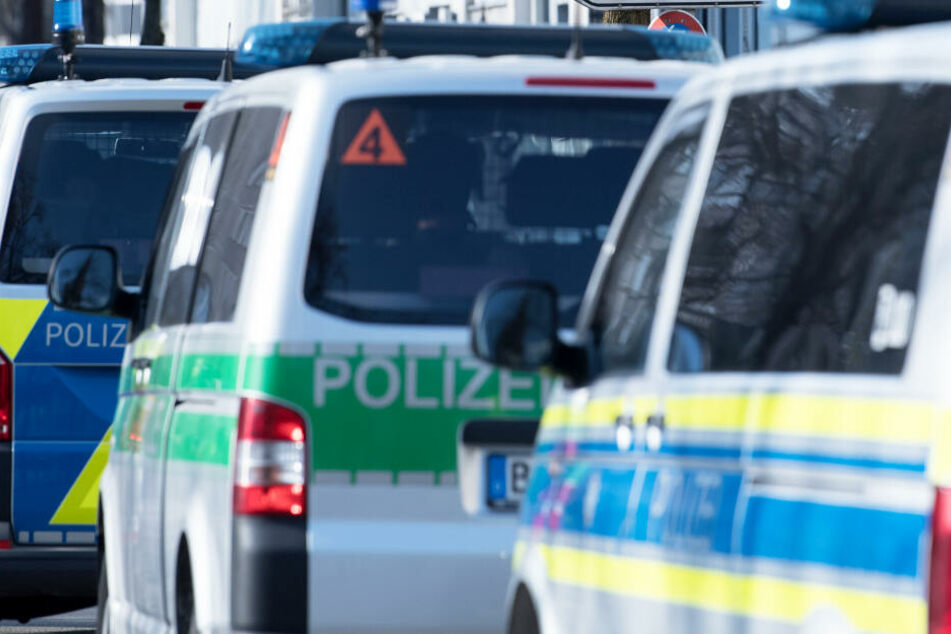 In einem Asylbewerberheim wurden Polizeibeamte angegriffen. (Symbolbild)