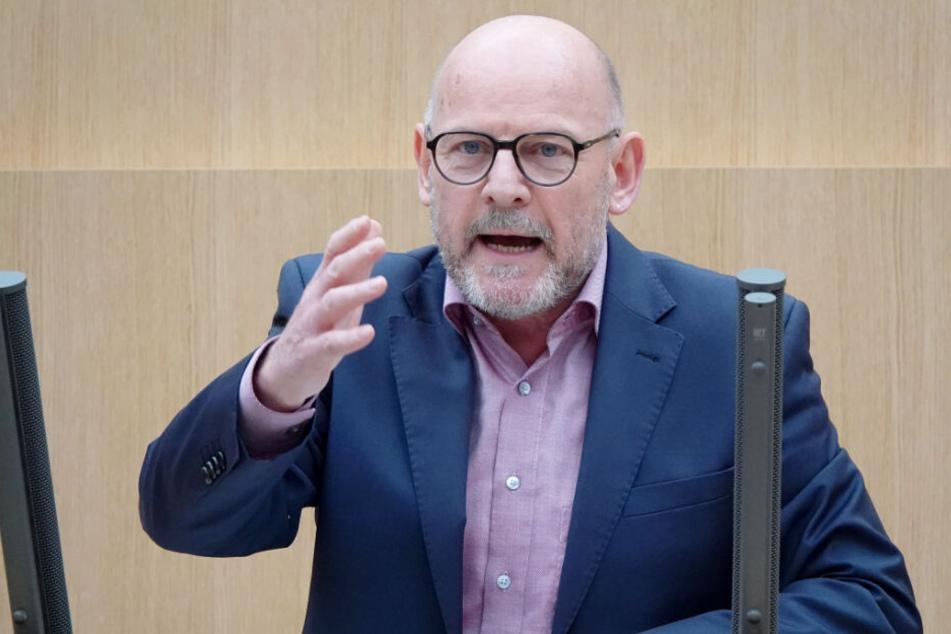 Winfried Hermann, Verkehrsminister von Baden-Württember spricht im Landtag.