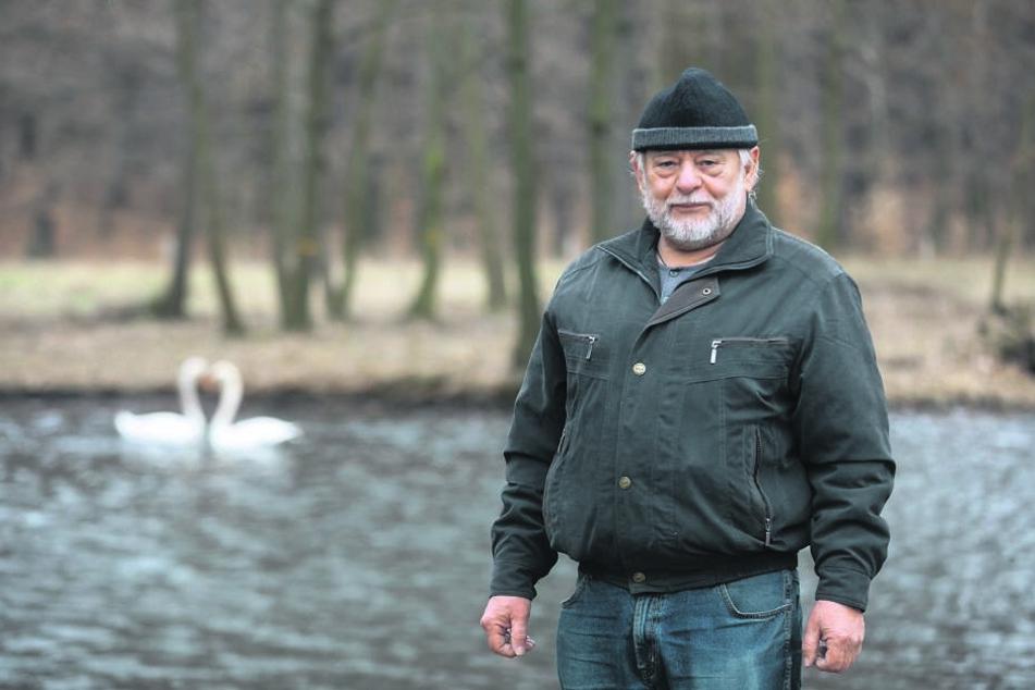 Schwanenpapa Kurt Clave (66) wird sich um die beiden Schwäne kümmern.