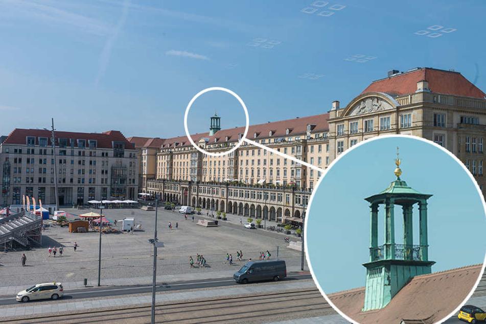 Beim Wiederaufbau nach dem Krieg wurde auf die Gebäude an der Westseite des  Altmarkte dieses Türmchen gesetzt. Es  erinnert an das zweite Rathaus, das etwa an dieser Stelle stand.