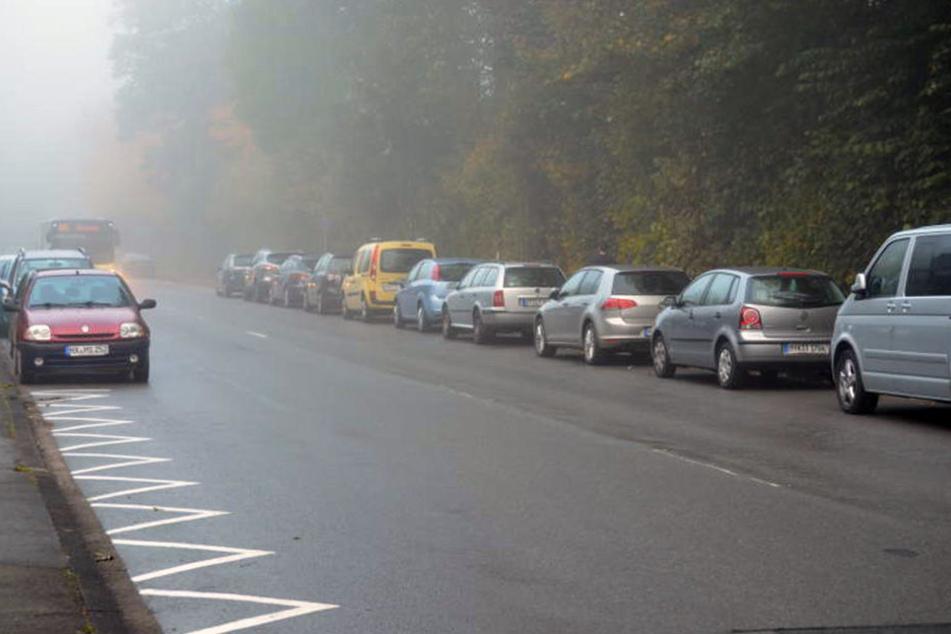 Die Brunnenstraße ist immer vollgeparkt mit Autos. Das könnte bald ein Ende haben.
