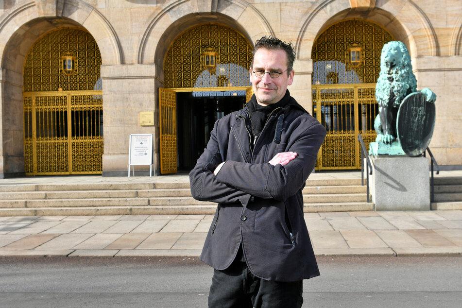 """Dissidenten-Stadtrat Martin Schulte-Wissermann (50, Piraten) hofft auch einen """"Sommer-of-Außengastro-Love""""."""