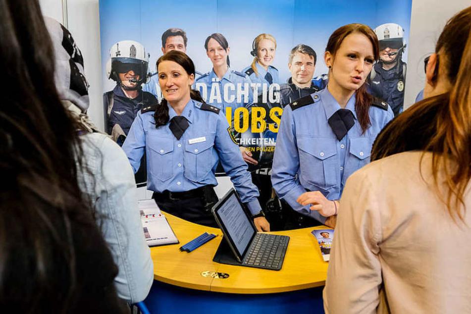 Auch die Polizei Sachsen war mit einem eigenen Stand dabei.