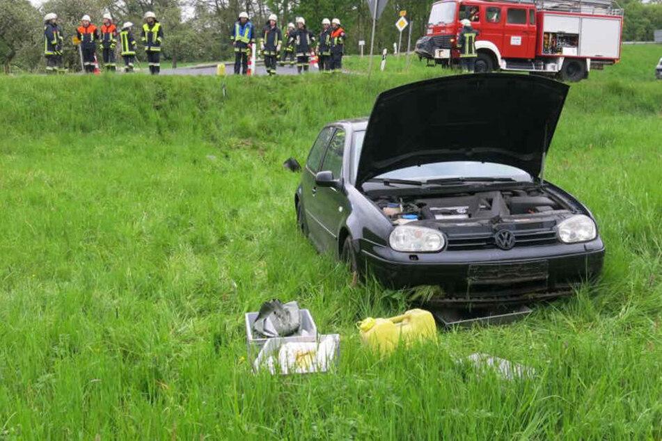 Mit diesem Golf verursachte der 38-Jährige einen Unfall und flüchtete mit dem Auto seines Ersthelfers.
