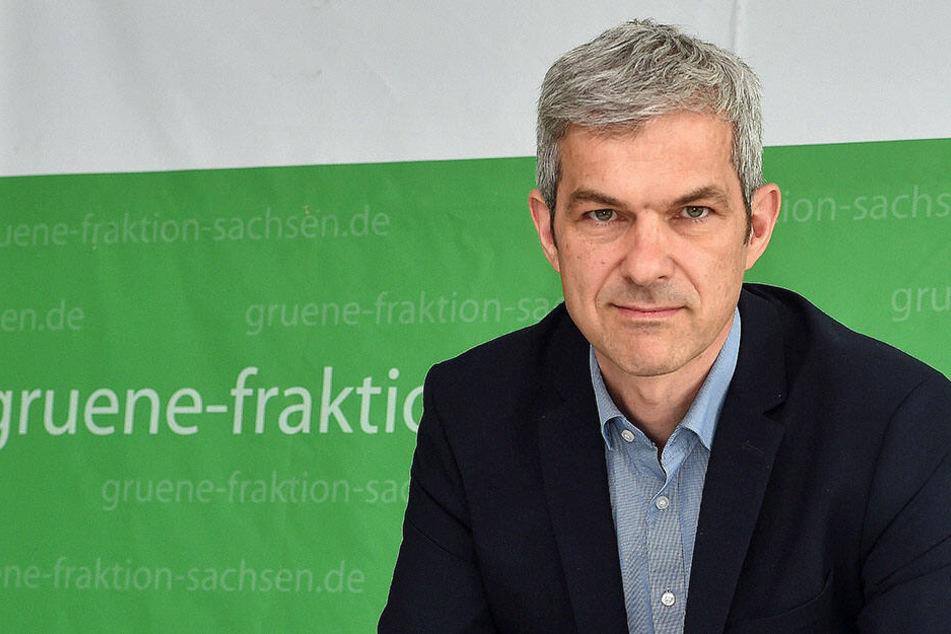 Der Grünen-Landtagsabgeordnete Volkmar Zschocke (50) kritisiert, dass der importierte Müll zu wenig kontrolliert wird.