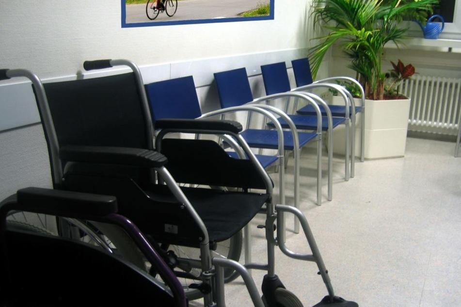 In Wartezimmern von Arztpraxen ist die Ansteckungsgefahr besonders hoch.